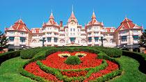 Disneyland®Hotel inkl entrébiljetter - familjehotell med bra barnrabatter.