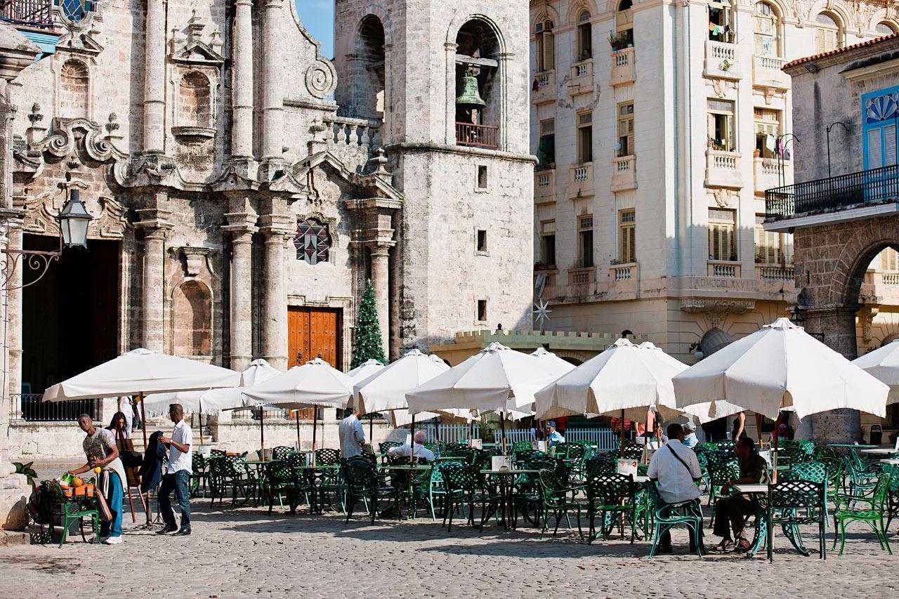 Kuba - Havanna - torget vid katedralen San Cristobal