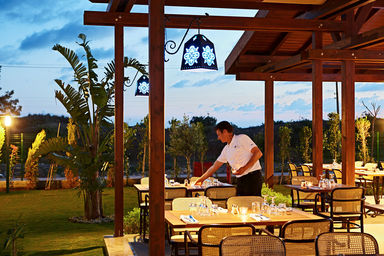 Mehmets Kitchen erbjuder både lokala specialiteter och Sunwing-favoriter.