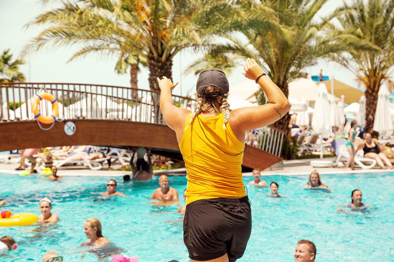 Träna i poolen med vår vattengymnastik.