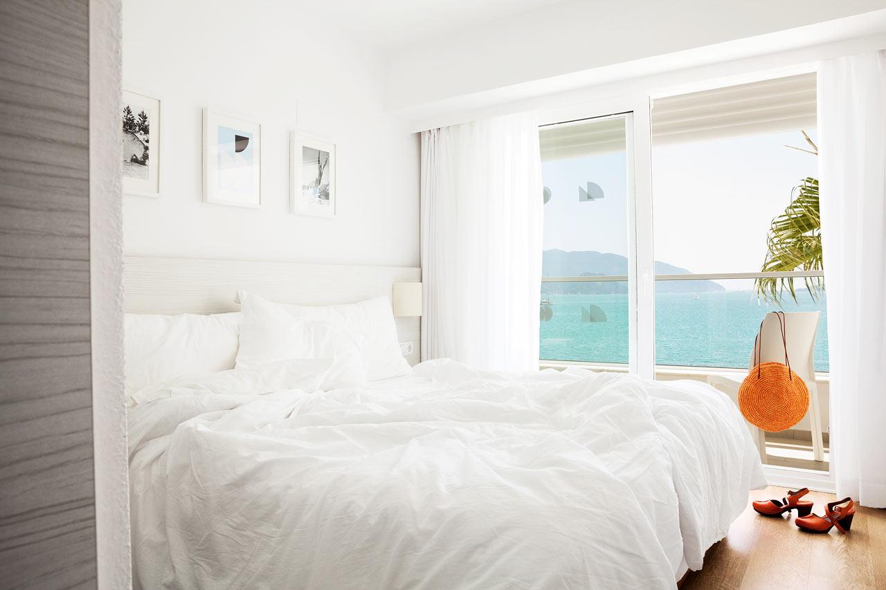 Sunprime Beachfront - Vill du ha en extra lyxig semester bokar du ett rum med havsutsikt