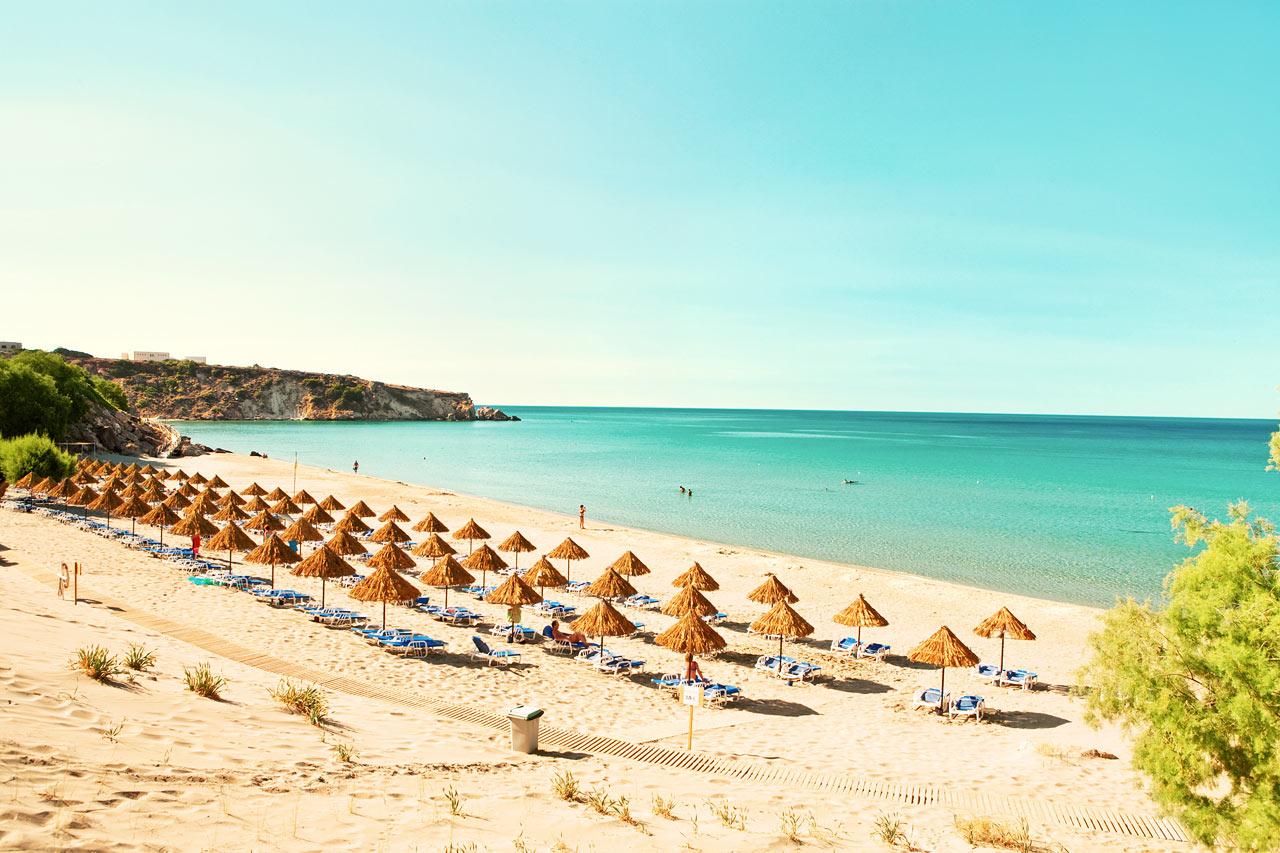 Sunwing Makrigialos Beach ligger nära en av Kretas härligaste stränder.