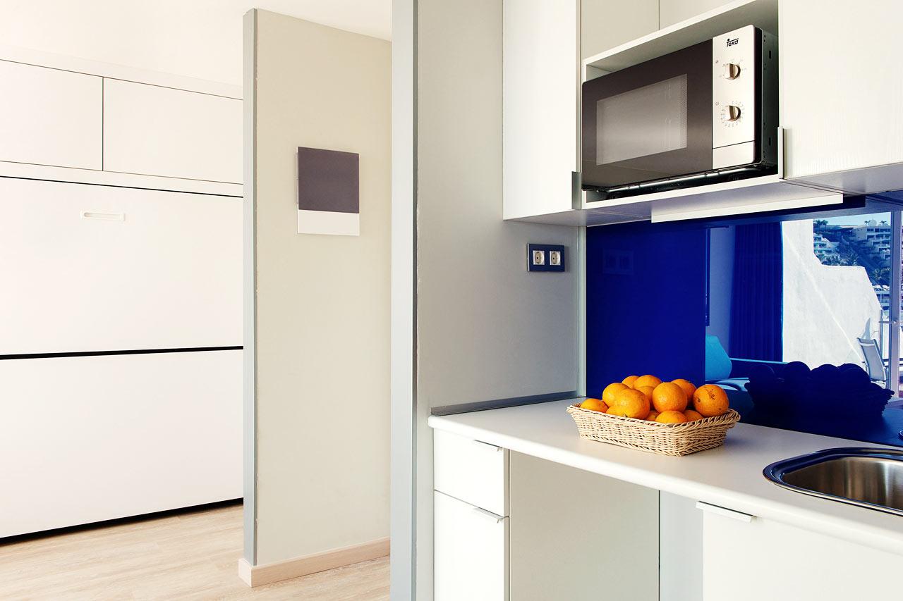 Servatur Puerto Azul - Renoverad tvårumslägenhet (typ A) - pentry (utan kokplattor) och extrabädd i utfällbar säng (sängskåp)