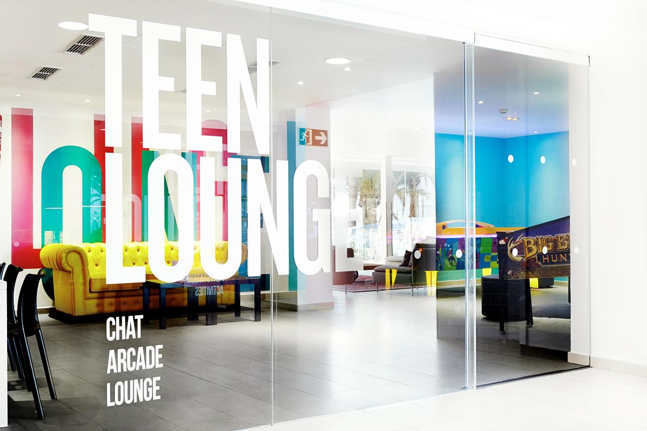 Teen Lounge är den givna mötesplatsen för resortens besökande ungdomar.