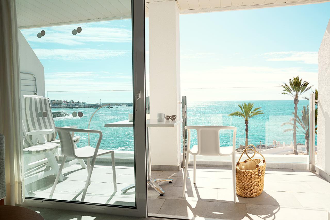 Enrumslägenhet Royal Family Suite, balkong med havsutsikt.
