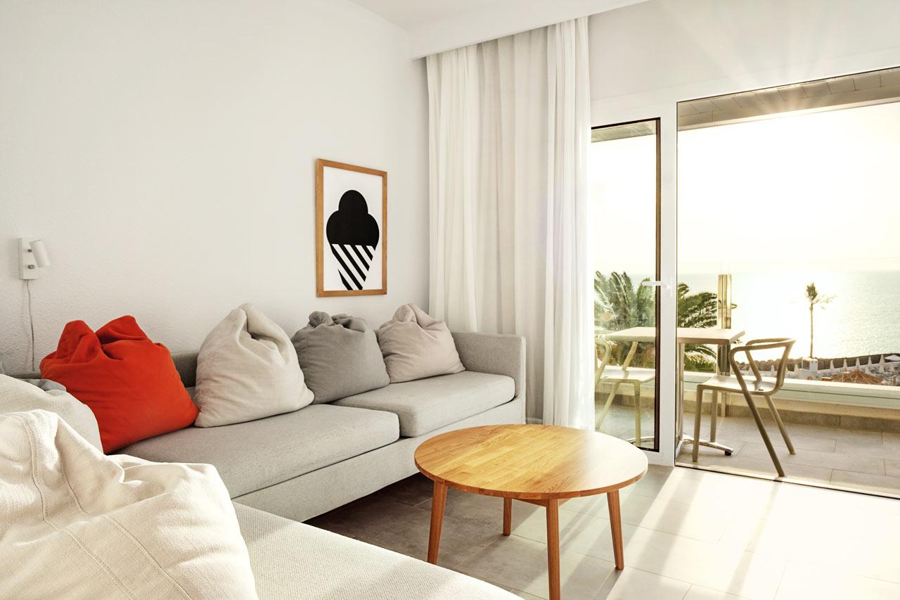 Enrumslägenhet Family, balkong med havsutsikt, separat sovdel.