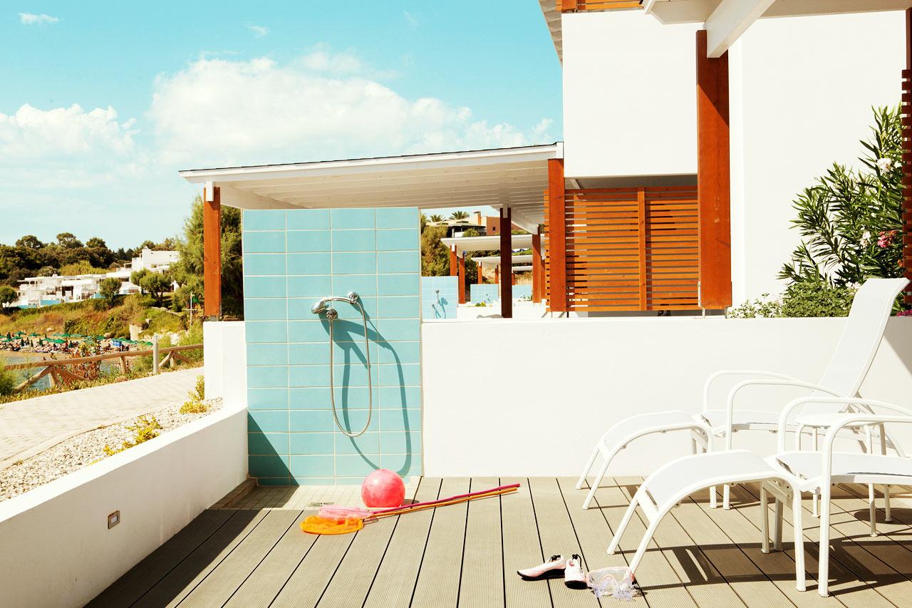Sunwing Kallithea Beach - Trerumslägenhet Royal Family Suite med stor terrass och havsutsikt, närmast havet, Poseidon.