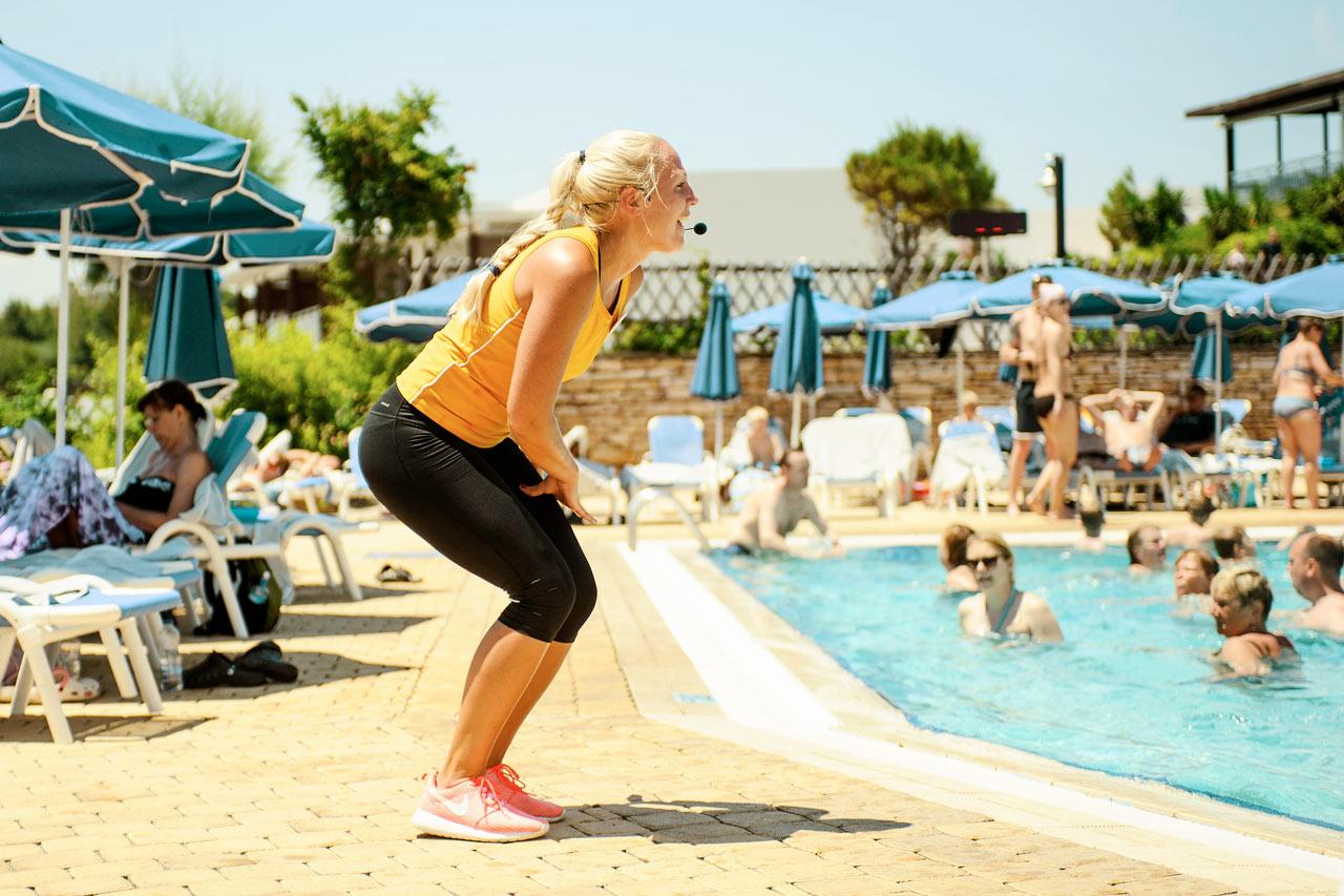 Sunwing Kallithea Beach - Water Aerobics brukar locka de flesta ur solstolen.