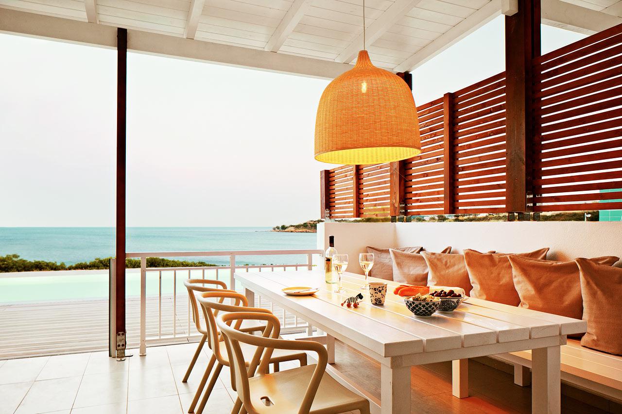 Sunwing Kallithea Beach - Trerumslägenhet Royal Family Suite med stor terrass med havsutsikt och access till privat, delad pool, Triton.