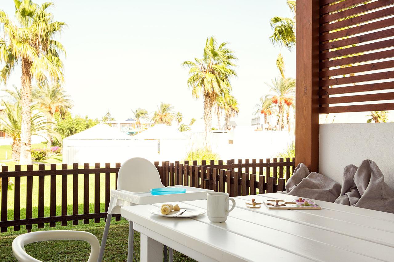 Sunwing Kallithea Beach - Tvårumslägenhet Happy Baby med stor terrass mot omgivningarna, Helios.