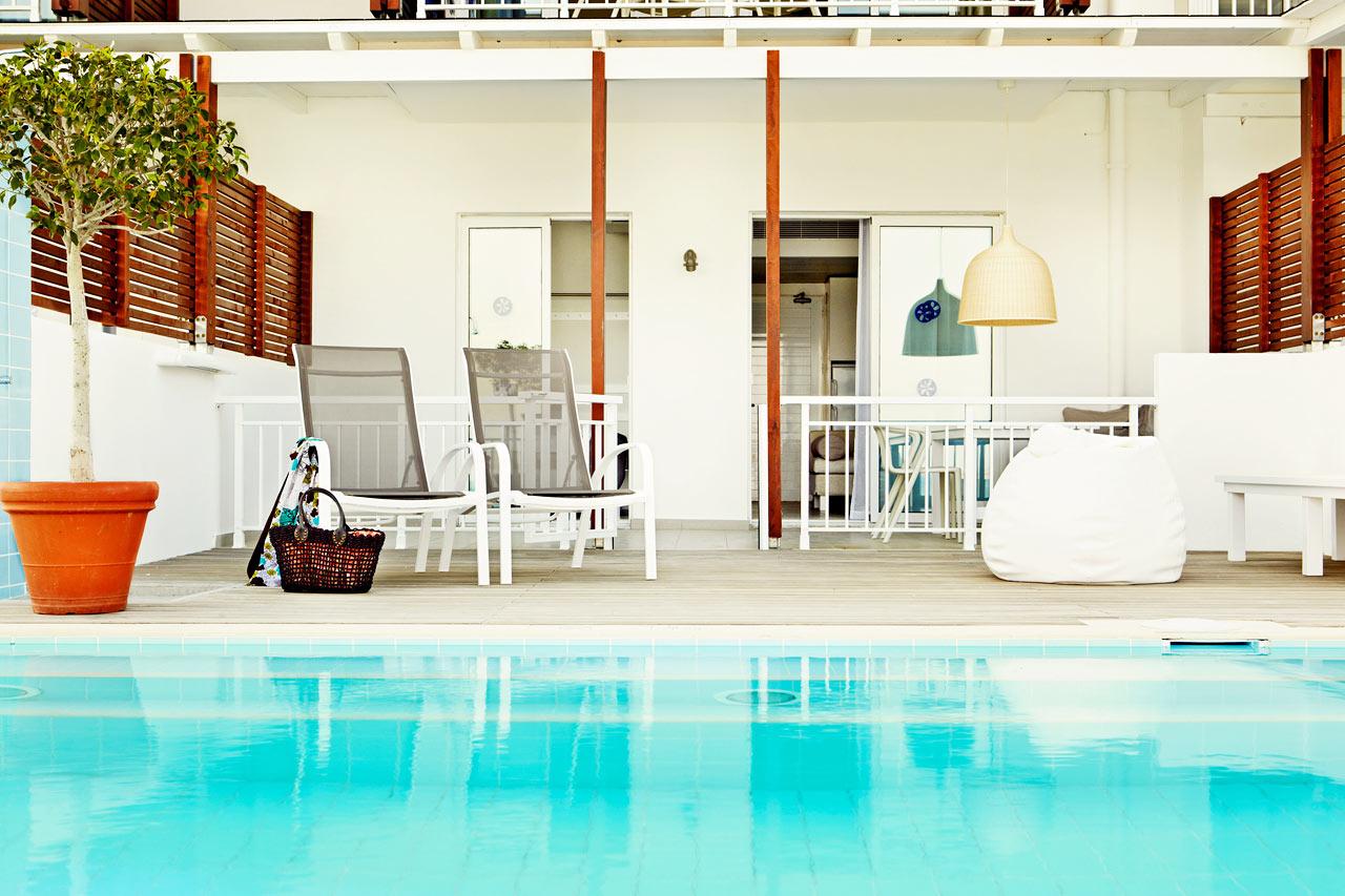 Sunwing Kallithea Beach - Tvårumslägenhet Royal Pool Suite med terrass och swim out/direkt poolaccess, Triton.
