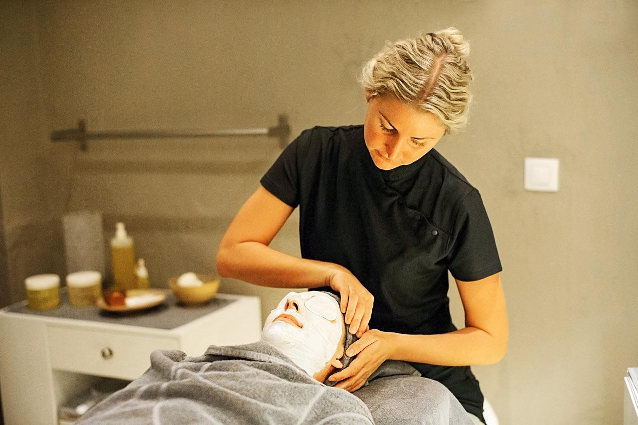 I vårt Sunprime Spa kan du unna dig en skön och välgörande behandling.